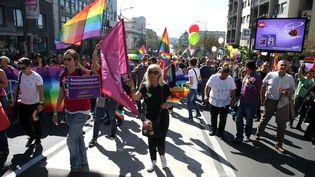 Départ de la gay pride de Belgrade (Serbie) encadré par desmilliers de gendarmes et policiers, le 28 septembre 2014 (STANKOVIC / XAOCPHOTO / SIPA)