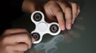 """Un modèle basique de """"hand spinner"""". (LIONEL VADAM  / MAXPPP)"""