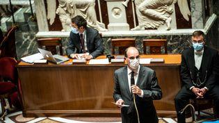 Le Premier ministre Jean Castex lors des questions au gouvernement à l'Assemblée nationale, à Paris, le 18 mai 2021. (XOSE BOUZAS / HANS LUCAS / AFP)