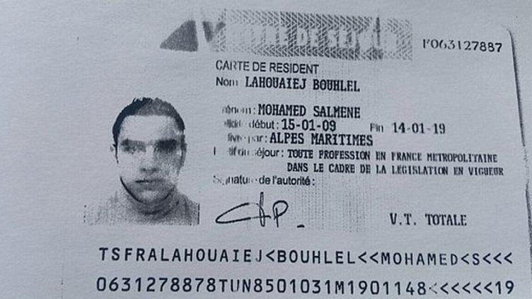 Reproduction du titre de séjour de Mohamed Lahouaiej-Bouhlel, l'auteur de l'attentat de Nice commis le 14 juillet 2016. (FRENCH POLICE SOURCE / AFP)