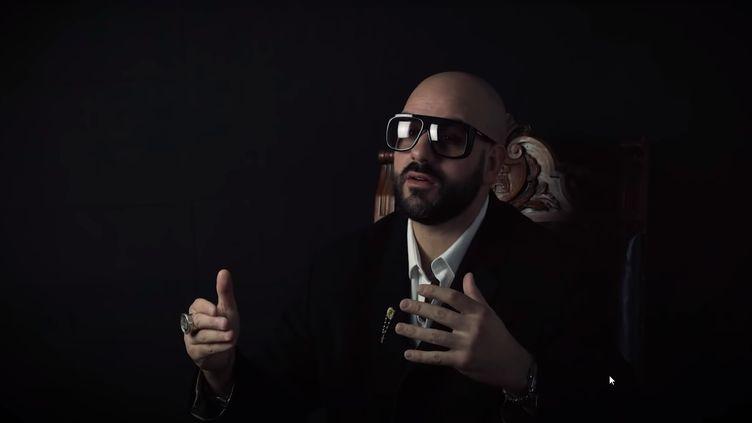 Capture d'écran d'une vidéo de Papacito. (YOUTUBE)