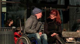 Fallait-il réanimer Jack, un bébé mort-né, en 2001 ? Aujourd'hui âgé de 18 ans, Jack est lourdement handicapé. France 3 l'a rencontré, lui et sa mère. Celle-ci a découvert il y a quelques mois seulement que son fils avait été ressuscité à la naissance. (France 3)