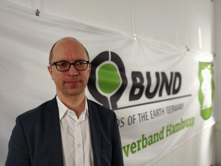 Manfred Braasch,président de l'association Bund Hambourg.  (ERIC AUDRA / RADIO FRANCE)