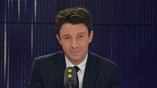 Benjamin Griveaux, secrétaire d'État auprès du Premier ministre, porte-parole du gouvernement. (JEAN-CHRISTOPHE BOURDILLAT / RADIO FRANCE)