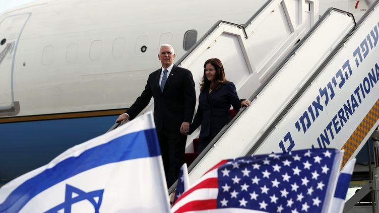 Le vice-président américain Mike Pence et son épouse arrivant à Tel Aviv le 23 janvier 2020, pour les commémorations du 75e anniversaire de la libération d'Auschwitz (AMMAR AWAD / POOL)