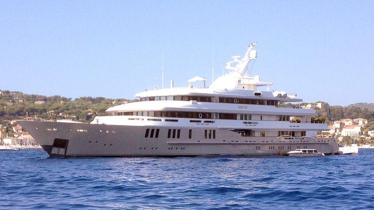 "Le yacht de Bernard Tapie ""Reborn"" en baie de Beaulieu-sur-Mer le 29 août 2014. (MAXPPP)"