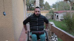 France 2 a rencontré un homme en fauteuil roulant qui a réussi à se reconvertir après un grave accident de moto. (France 2)