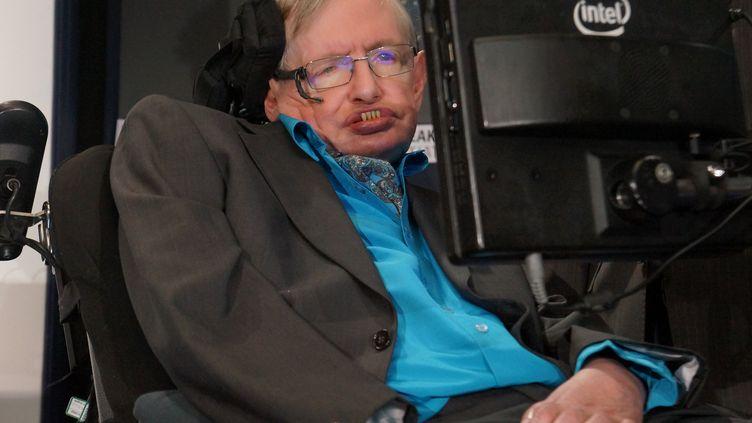 L'astrophysicien Stephen Hawking, à Londres (Royaume-Uni), le 20 juillet 2015. (MARCELA GUTIERREZ / NOTIMEX / AFP)