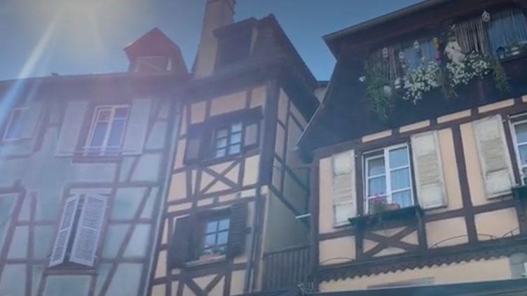 Les touristes se font attendre dans la petite Venise. Ce quartier de Colmar (Alsace) au charme pittoresque est d'ordinaire bondé en cette période de l'année. (France 2)