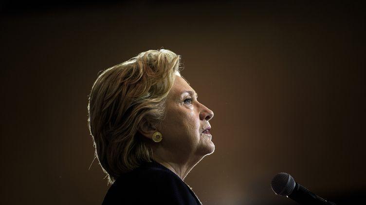 Hillary Clinton, le 27 septembre 2016, à Raleigh (Caroline du Nord). (BRENDAN SMIALOWSKI / AFP)