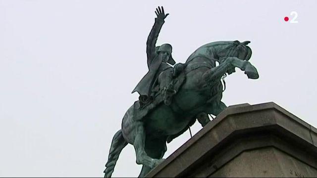 Rouen : incroyable découverte sous une statue de Napoléon