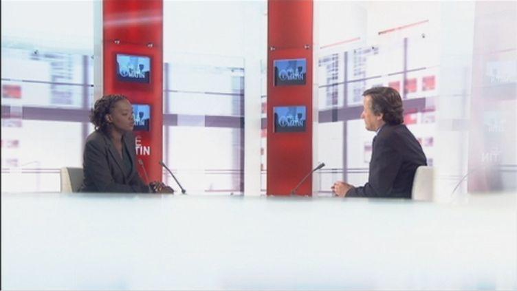 """Rama Yade était l'invitée des """"4 V"""", sur France 2, mercredi 6 juin (FTV)"""