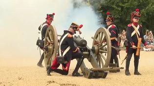 Au château de Versailles, une grande reconstitution historique des batailles napoléoniennes a eu lieu le week-end des 11 et 12 septembre. (FRANCE TELEVISIONS)