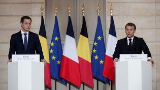 Le Premier ministre belge, Alexander De Croo, est reçu par le président français, Emmanuel Macron, le 1er décembre 2020, à l'Elysée. (BENOIT TESSIER / AFP)