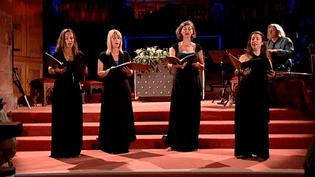 """L'ensemble """"VocaMe"""" a interprété en chanson des poèmes de Christine de Pisan.  (capture d'écran France 3 / Culturebox)"""