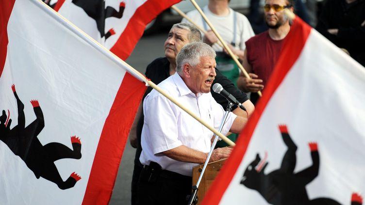 Udo Voigt, le candidat du NPD, parti néonazi allemand, lors d'un meeting à Berlin (Allemagne), le 17 juin 2011. (MAXPPP)