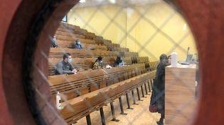 Des étudiants à l'université de Cergy (Val-d'Oise), le 11 janvier 2021. (ALEXIS MOREL / RADIO FRANCE)