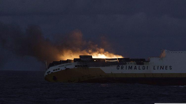 Le navirea sombré mardi 12 mars au large de La Rochelle avec des matières dangereuses et 2.200 tonnes de fioul lourd dans ses soutes. (EPA / MAXPPP)