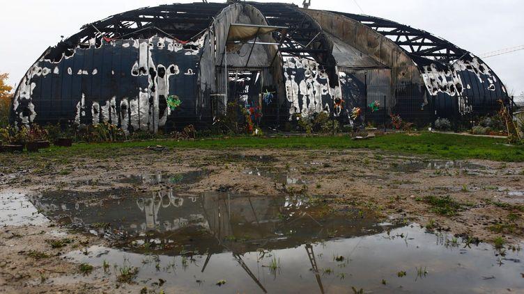 Le cirque de la Compagnie des Contraires, incendié samedi 2 novembre. (OLIVIER CORSAN / MAXPPP)