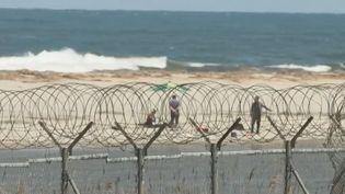 Une plage, le long de la frontière entre la Corée du Nord et la Corée du Sud. (FRANCE 2)