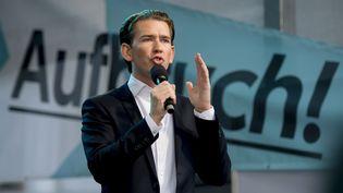 Sebastian Kurz, 31 ans,candidatdu parti conservateur autrichien (ÖVP), à Graz, en Autriche, le 4 septembre 2017. (JOE KLAMAR / AFP)