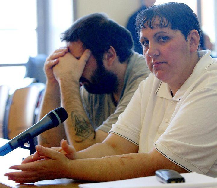 Myriam Badaoui au procès de Saint-Omer (Pas-de-Calais),le 8 juin 2004. (PHILIPPE HUGUEN / AFP)