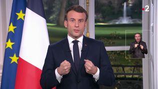 Le président de la République, Emmanuel Macron lors de ses voeux depuis l'Elysée, le 31 décembre 2019. (AFP)