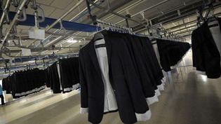 Vestes dans l'usine Zara implanté près du siège d'Artexio en Espagne, octobre 2011  (M.Rioga. AFP)