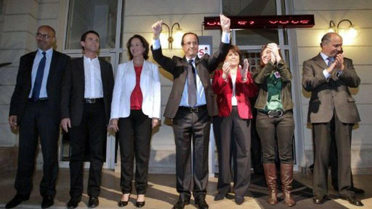 Un PS très uni au soir de la primaire à Solférino (THOMAS SAMSON / AFP)