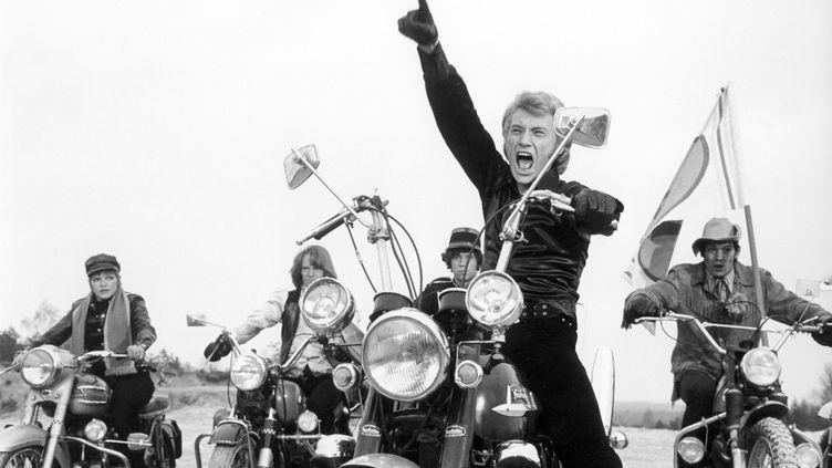 """Johnny Hallyday sur le tournage du film """"A tout casser"""" de John Berry en 1968. (CFPF / FINISTERE FILMS)"""