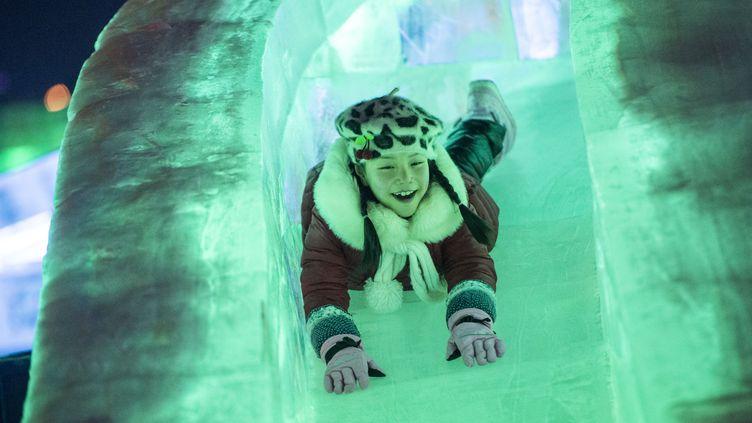 A l'Ice and Snow festival, le 4 janvier 2015, à la veille de l'inauguration de ce festival annuel de la ville d'Harbin, dans le nord de la Chine. (FRED DUFOUR / AFP)