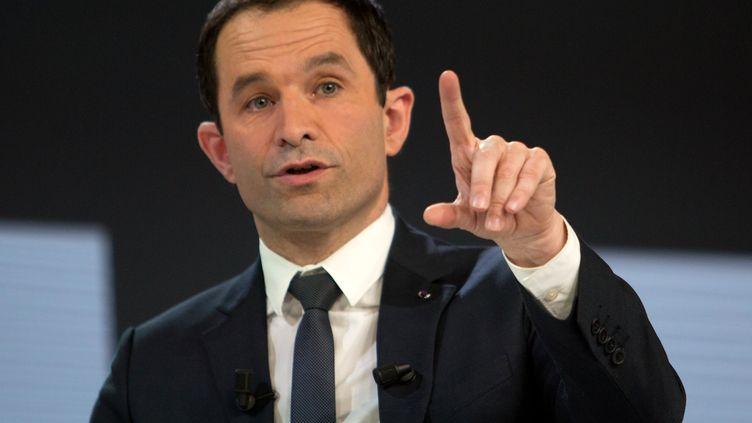Le candidat socialiste à la présidentielle, Benoît Hamon, à la Mutualité française, à Paris, le 27 février 2017. (IRINA KALASHNIKOVA / SPUTNIK / AFP)