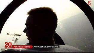 Capture d'acran montrantAndreas Lubitz, pilote d'un planeur il y a dix ans au-dessus de Dusseldorf (Alemagne) ( FRANCE 2 )
