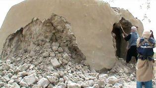Destruction d'un mausolée à Tombouctou, au Mali, le 1er juillet 2012. (AFP)