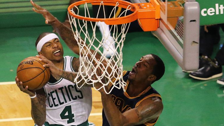 Isaiah Thomas (Boston) a fait mal à Cleveland (MADDIE MEYER / GETTY IMAGES NORTH AMERICA)