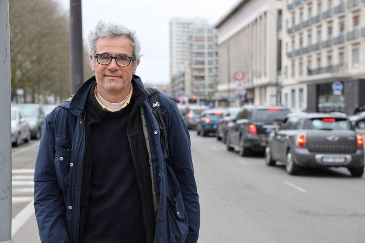 Guillaume Grima, responsable du collectif Non à l'A133-A134, pense que d'autres alternatives sont possibles. (ANTOINE DEIANA / FRANCEINFO)