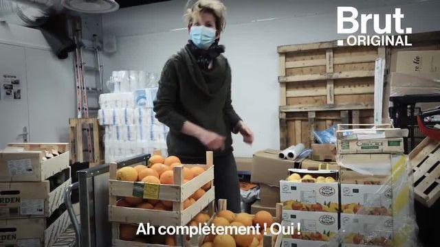 Pendant ce temps-là, en France, de plus en plus de supermarchés autogérés par leurs clients ouvrent leurs portes. Brut s'est rendu dans l'un d'entre eux, Les Grains de Sel à Paris.