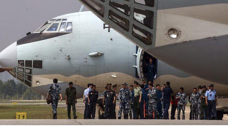 (© Maxppp - Les recherches continuent pour retrouver le Boeing de la Malaysia Airlines)