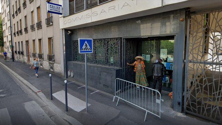 L'entrée du commissariat de Vanves (Hauts-de-Seine), en août 2020. (GOOGLE STREET VIEW)