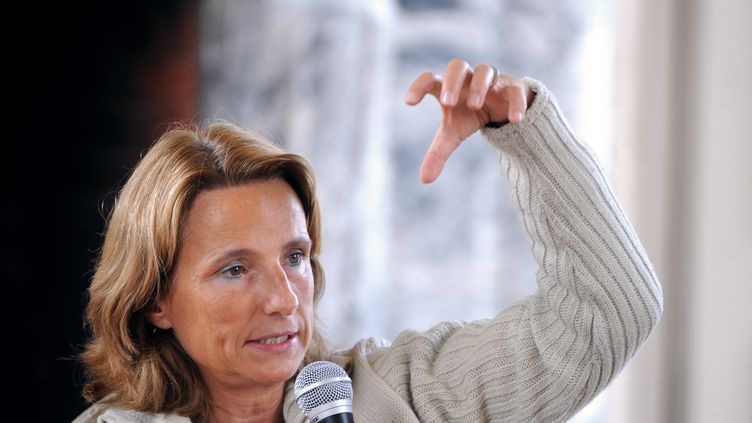 La porte-parole du Printemps français, Béatrice Bourges, s'exprime lors d'une université d'été au château de Lignières (Cher), le 26 août 2013. (JEAN-FRANCOIS MONIER / AFP)