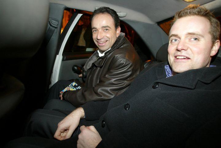 Jean-François Copé et Bastien Millot, le 20 février 2004,durant la campagne des élections régionales en Ile-de-France. (MAXPPP)
