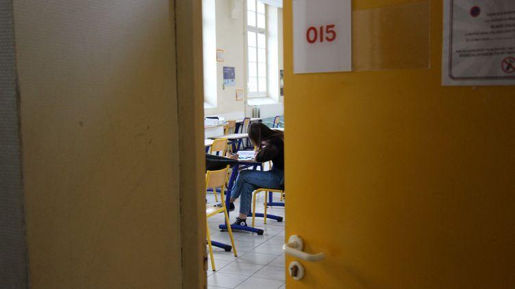 Les élèves de l'enseignement primaire et secondaire devraient retrouver le chemin de l'école le 11 mai, a annoncé Emmanuel Macron, lundi 13 mai. (CLAIRE LEYS / FRANCE-BLEU DRÔME-ARDÈCHE)