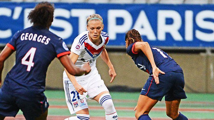 La Lyonnaise Lara Dickenmann face aux joueuses parisiennes