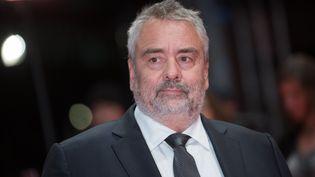 """Le producteur-réalisateur Luc Besson lors de la première du film """"Eva"""" au festival international du film de Berlin, en Allemagne, le 17 février 2018. (STEFANIE LOOS / AFP)"""