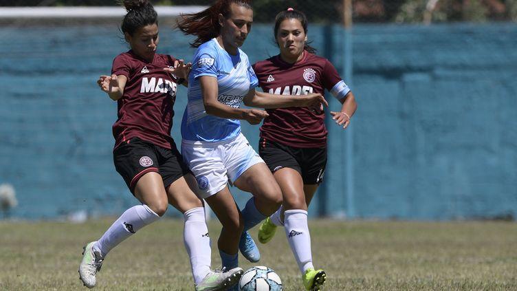 Mara Gomez, première joueuse transgenre en première division féminine argentine (JUAN MABROMATA / AFP)
