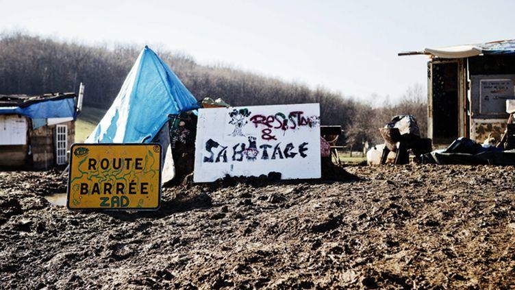 (Les zadistes occupent depuis plusieurs mois le site du barrage contesté de Sivens © MAXPPP)
