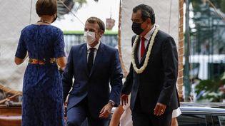 Emmanuel Macron, à Papeete, le 27 juillet 2021. (LUDOVIC MARIN / AFP)