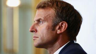 Emmanuel Macron, le 24 août 2021, lors d'un G7 virtuel sur l'Afghanistan. (SARAH MEYSSONNIER / POOL / AFP)