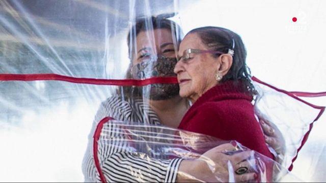 Coronavirus, manifestation des soignants, tortue géante… L'actualité de la semaine en images