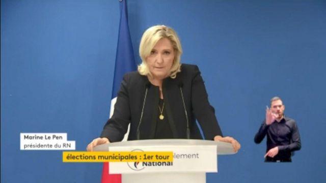 """Municipales : """"L'heure est à la guerre sanitaire"""" déclare Marine Le Pen"""